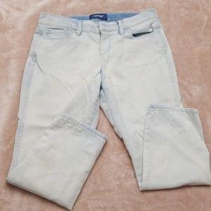 Old Navy light blue capri jeans.